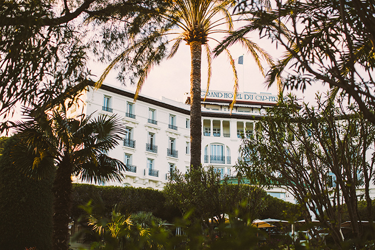 SimpleBeyond-00-–-4-Seasons-Grand-Hotel-Du-Cap-Ferrat