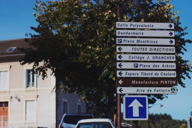 welcome-french-village-10
