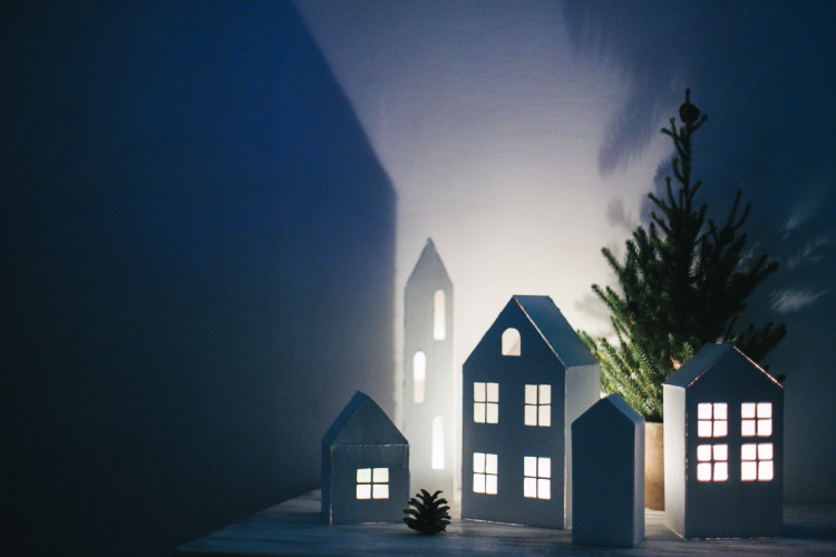 diy-christmas-houses-07