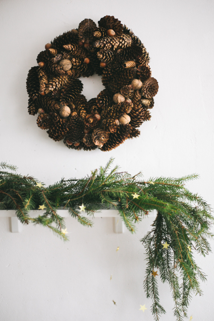 diy-christmas-cone-wreath-06
