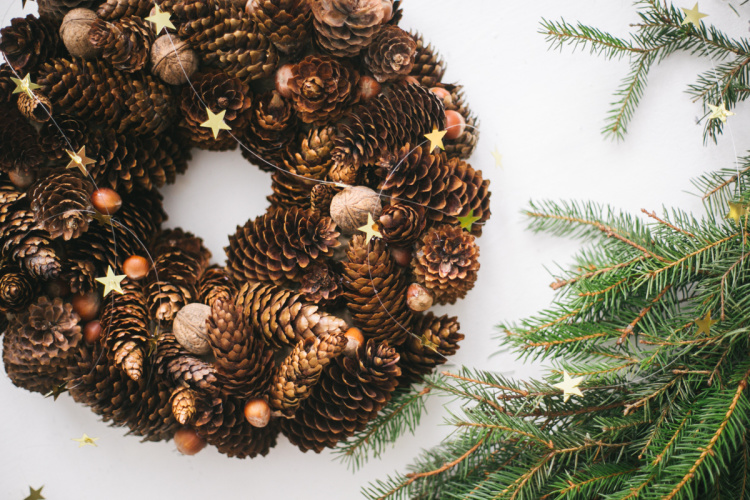 diy-christmas-cone-wreath-07