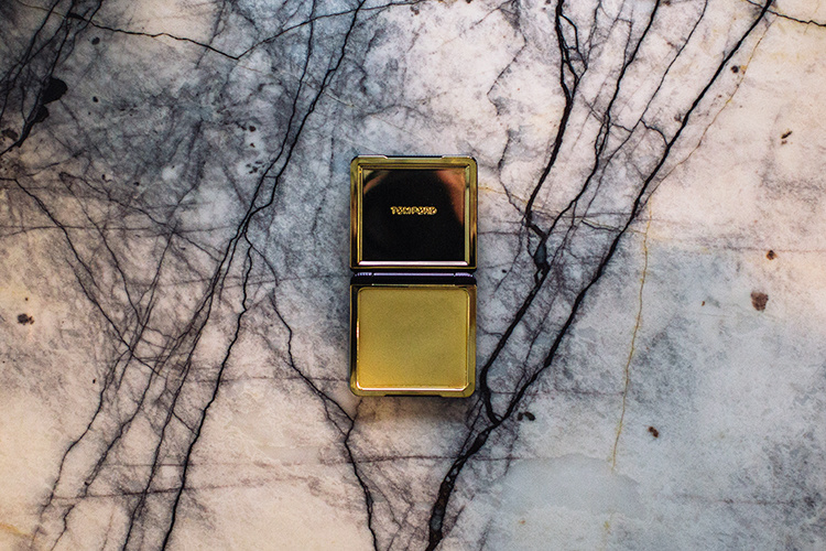 Tom-Ford-Velevt-Orchid-SB-01
